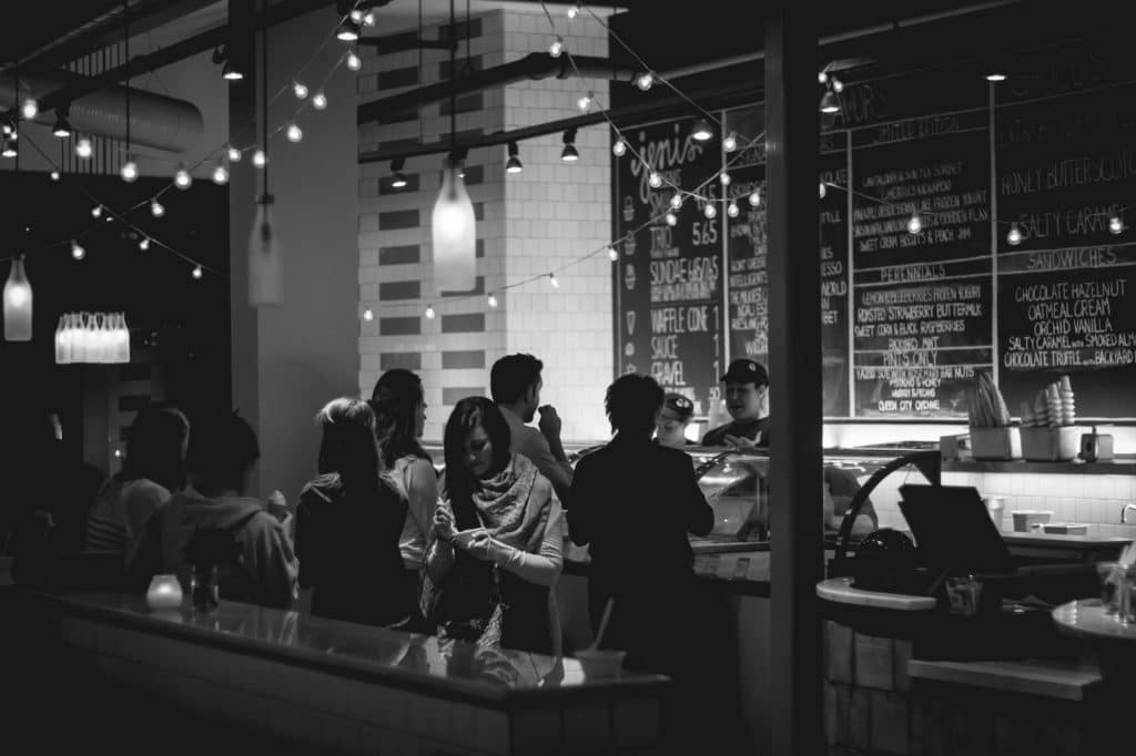busy-restaurant-black-and-white
