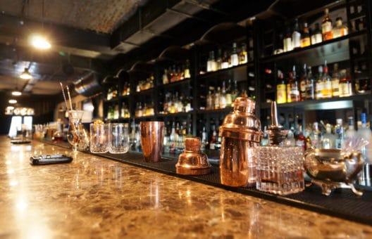 modern-sleek-bar-counter-australia