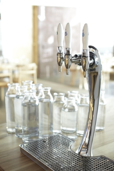 nomad-restaurant-in-sydney-uses-innovative-water-system