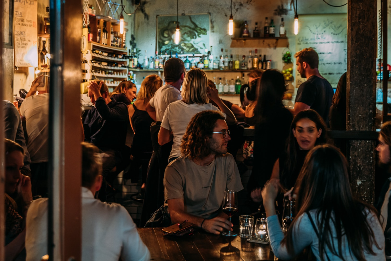 busy-bar-thrives-using-good-pos