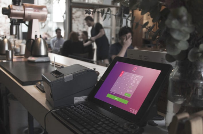 thermal-printer-at-work-in-cafe